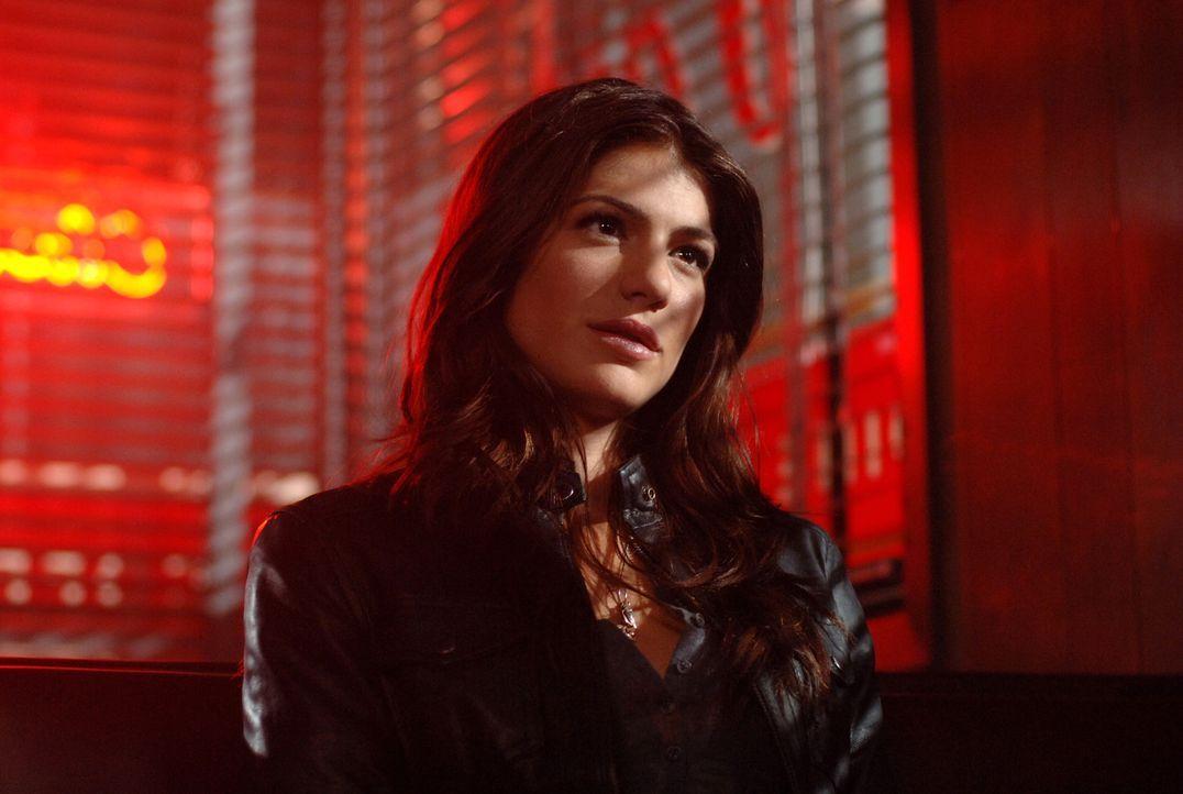 Gut oder Böse? Kristy (Genevieve Cortese) ... - Bildquelle: Warner Bros. Television