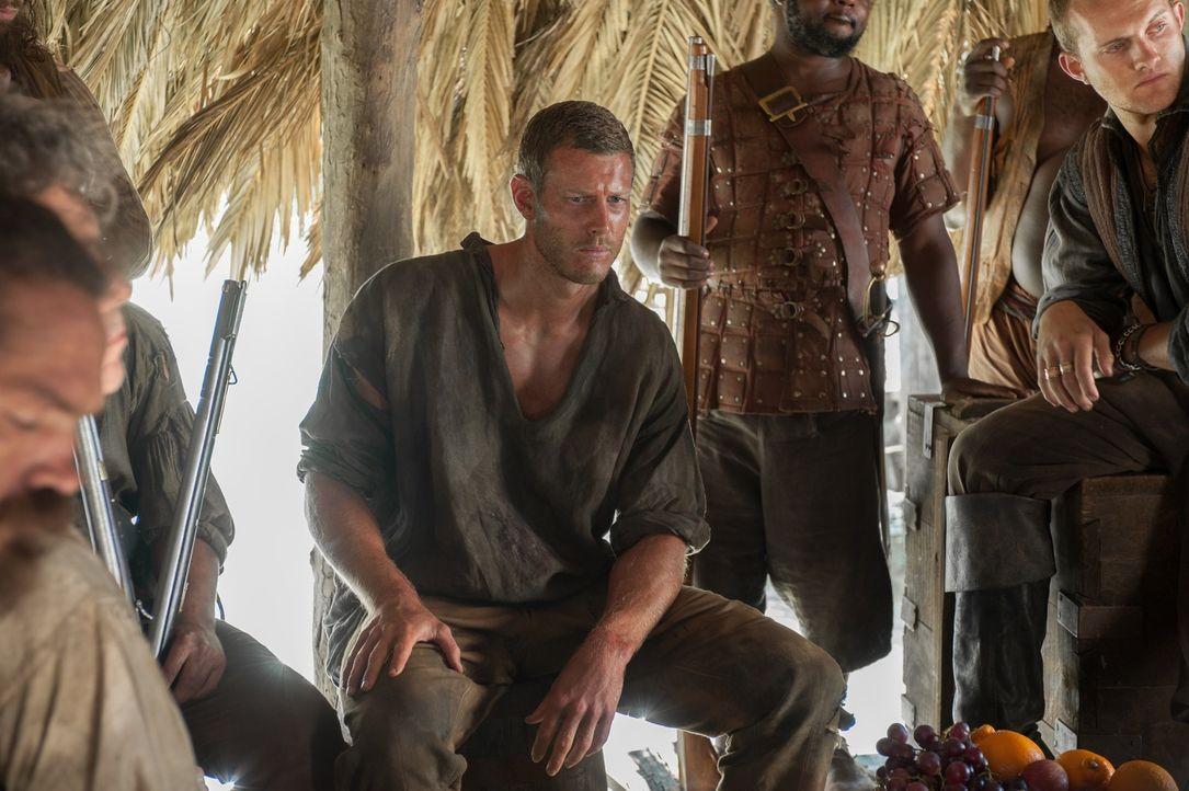 Nachdem Billy (Tom Hopper, M.) Kapitän Hume entkommen konnte,  brennt die Crew natürlich darauf zu erfahren, wie er überhaupt in Gefangenschaft gera... - Bildquelle: 2015 Starz Entertainment LLC, All rights reserved.