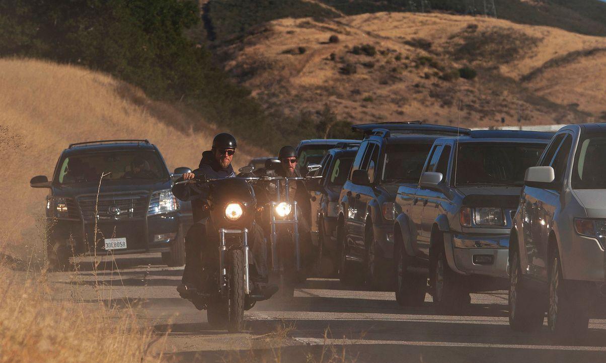 Wird Jax (Charlie Hunnam) die Sons of Anarchy wirklich verlassen, oder sorgen unerwartete Ereignisse für eine drastische Wendung in seiner Zukunftsp... - Bildquelle: 2011 Twentieth Century Fox Film Corporation and Bluebush Productions, LLC. All rights reserved.