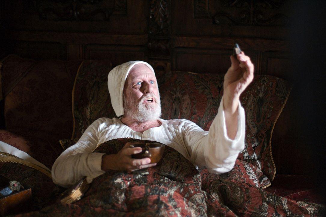 Auf der Schwelle des Todes schwört Marco Polo (Michael O'Hagan) auf den Wahrheitsgehalt seiner Reiseerzählungen. - Bildquelle: 2006 RHI Entertainment Distribution, LLC
