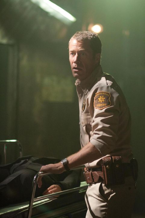 In einer abgelegenen Hütte macht Jack Carter (Colin Ferguson) eine besonders erschreckende Entdeckung ... - Bildquelle: Universal Television