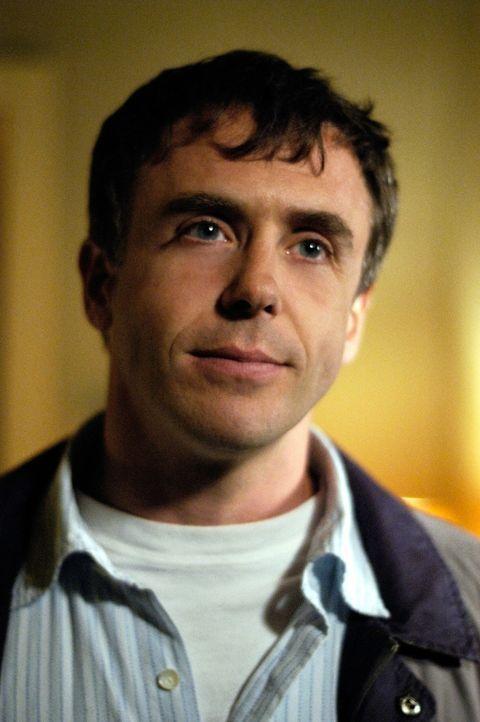 Carl Morrissey (David Eigenberg), ein Rückkehrer, versucht mit seinen Fähigkeiten in seiner Nachbarschaft das Verbrechen zu bekämpfen ... - Bildquelle: Viacom Productions Inc.