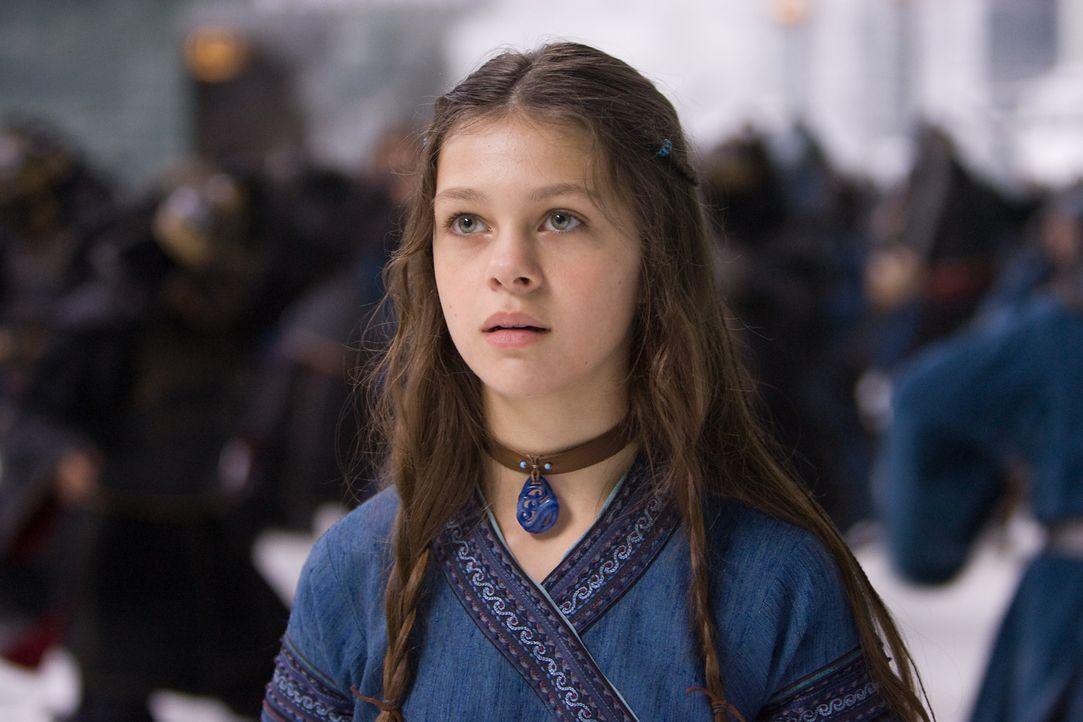 Als die 14-jährige Wasserbändigerin Katara (Nicola Peltz) zufällig den Avatar aus seinem 100-jährigen Schlaf erweckt, beginnt für sie eine Zeit voll... - Bildquelle: Zade Rosenthal 2010 PARAMOUNT PICTURES.  All Rights Reserved.