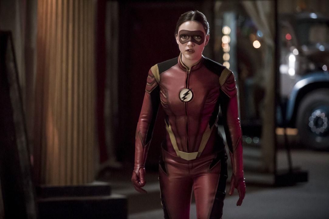 Jesse alias Jesse Quick (Violett Beane) darf bei einem neuen Fall aushelfen, doch als sie eine von Flashs Regeln missachtet, hat das schlimme Konseq... - Bildquelle: 2016 Warner Bros.