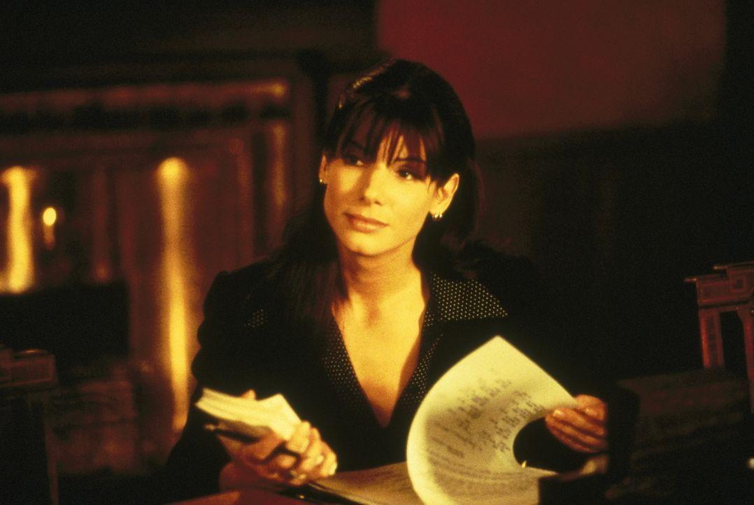 Mit Engagement im Einsatz: Jurastudentin Ellen (Sandra Bullock) ... - Bildquelle: Warner Bros.