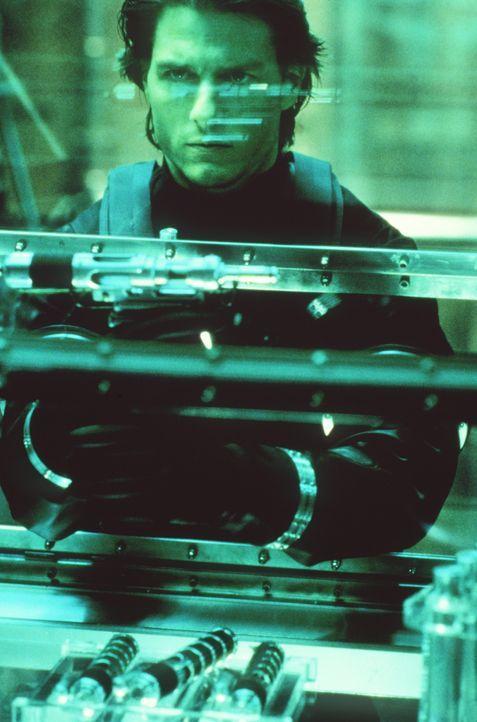 Als sein ehemaliger IMF-Kollege Sean Ambrose den tödlichen Virus Chimera entwendet, wird Ethan Hunt (Tom Cruise) auf ihn angesetzt. Er soll verhinde... - Bildquelle: Paramount Pictures
