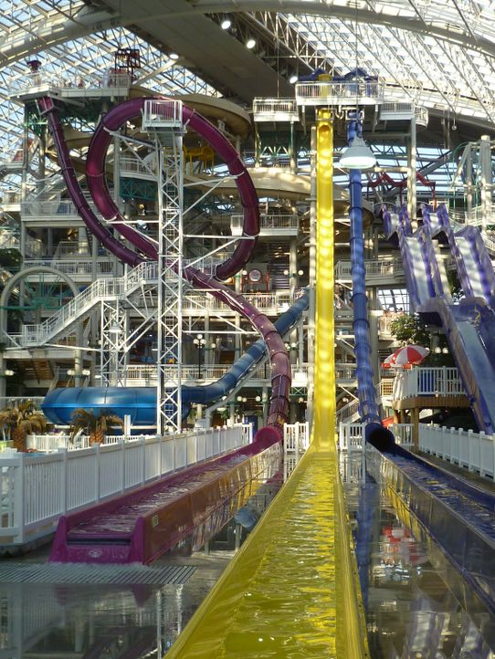 Hier ist für jeden etwas dabei: Der World Waterpark hat 14 verschiedenen Rutschen zu bieten, die in die Kategorien Anfänger, Fortgeschrittene Anfäng... - Bildquelle: 2016,The Travel Channel, L.L.C. All Rights Reserved.