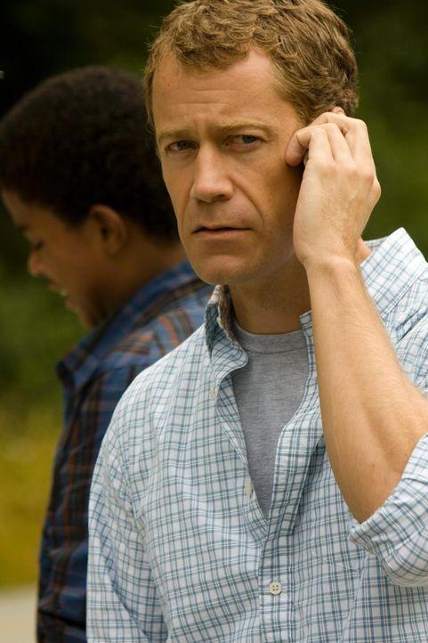 In Eureka geht es mal wieder drunter und drüber: Carter (Colin Ferguson) ... - Bildquelle: Universal Television
