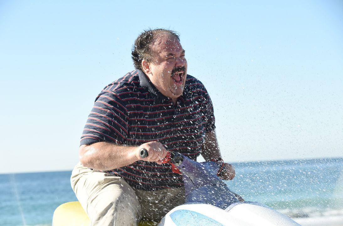Sein Spiel mit dem Feuer wird für Todd (Mel Rodriguez) immer mehr zur psychischen und körperlichen Belastung ... - Bildquelle: 2015-2016 Fox and its related entities.  All rights reserved.