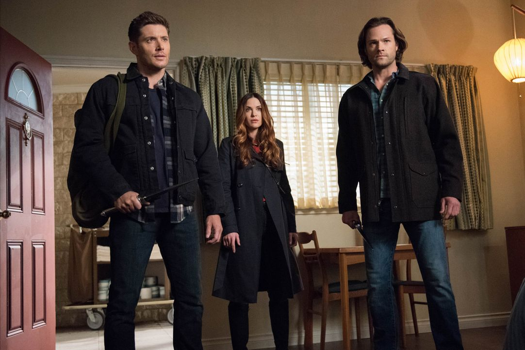 (v.l.n.r.) Dean (Jensen Ackles); Schwester Jo alias Anael (Danneel Ackles); Sam (Jared Padalecki) - Bildquelle: Dean Buscher 2018 The CW Network, LLC. All Rights Reserved / Dean Buscher