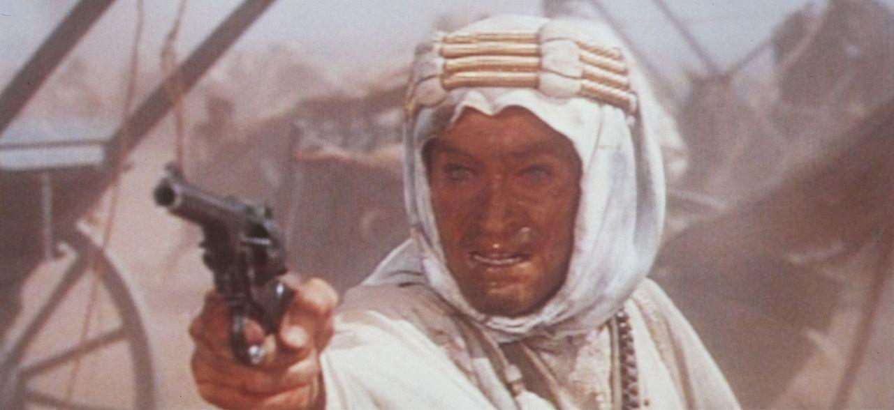 Eine Verhaftung und Folterung durch die Türken markiert den Beginn eines tiefgreifenden Persönlichkeitswandels des selbstbewussten Lawrence (Peter... - Bildquelle: Columbia Pictures