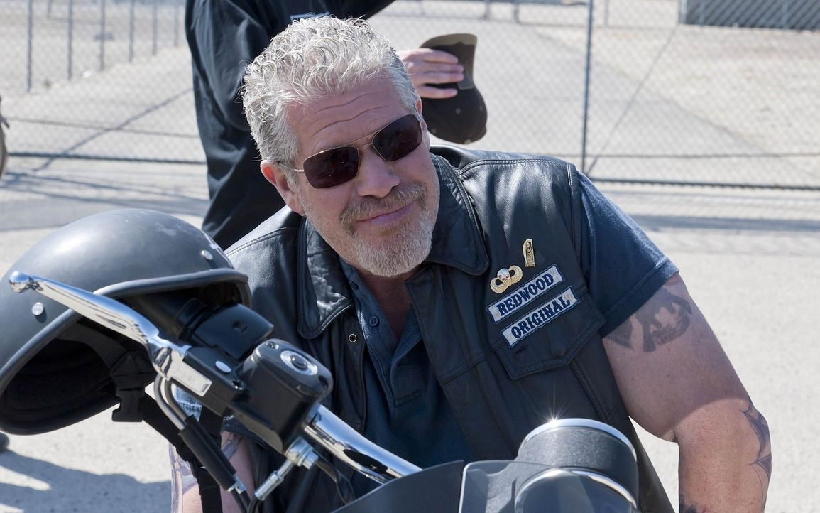 Clay (Ron Perlman) braucht dringen Geld, bevor es für ihn zu spät ist, welches zu beschaffen ... - Bildquelle: 2011 Twentieth Century Fox Film Corporation and Bluebush Productions, LLC. All rights reserved.