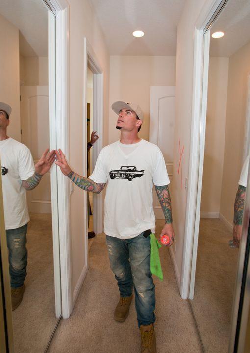 Rapper Vanilla Ice baut zusammen mit seinem engagierten Handwerker-Team Häuser komplett um ... - Bildquelle: 2014, DIY Network/Scripps Networks, LLC. All Rights Reserved.