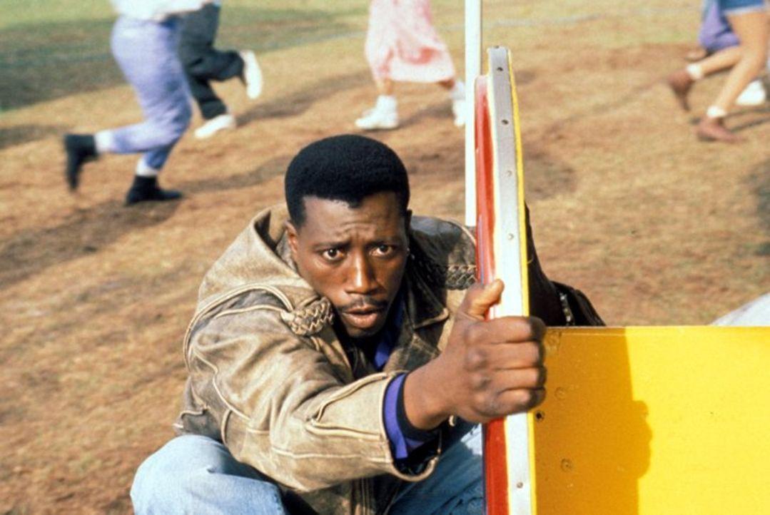In einem Vergnügungspark kommt es zwischen dem unermüdlichen John Cutter (Wesley Snipes) und dem Terroristen zum Showdown ... - Bildquelle: Warner Bros.