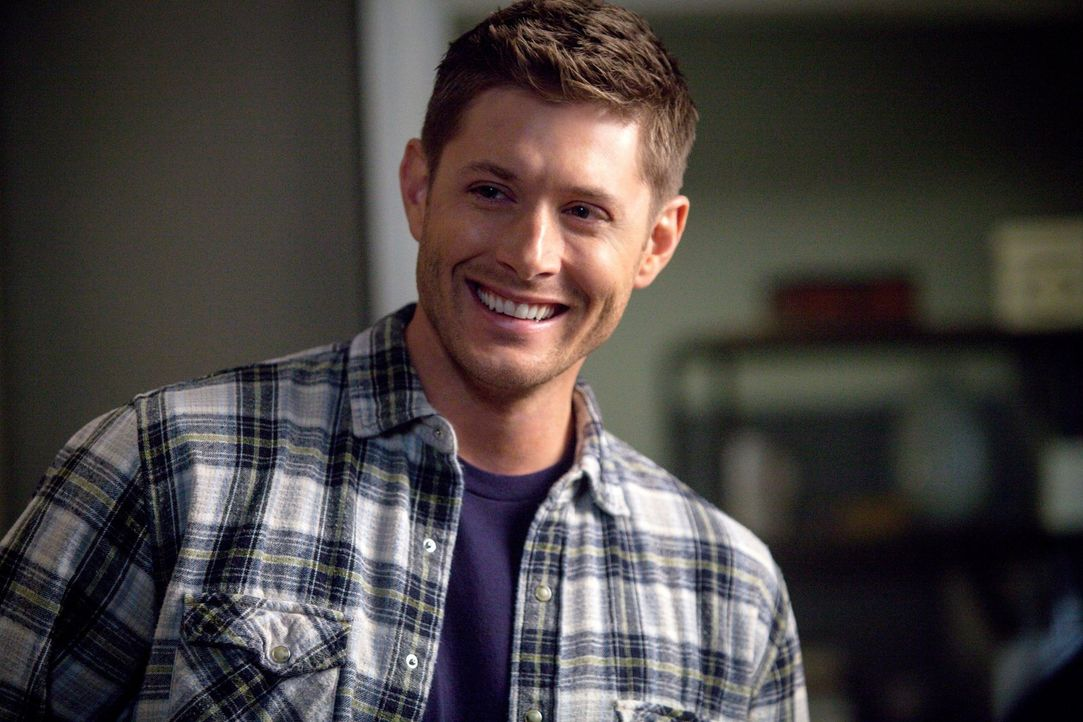 Dean (Jensen Ackles) und Keuschheit? Bei der Recherche zu einer neuen Jagd versucht der Frauenheld, eine ganz andere Seite an sich zu entdecken ... - Bildquelle: 2013 Warner Brothers