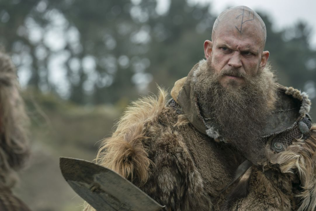 Floki (Gustaf Skarsgård) - Bildquelle: 2017 TM PRODUCTIONS LIMITED / T5 VIKINGS V PRODUCTIONS INC. ALL RIGHTS RESERVED.