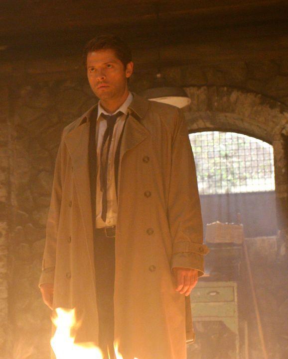 Nimmt den Kampf gegen das Böse auf: Castiel (Misha Collins) ... - Bildquelle: Warner Bros.