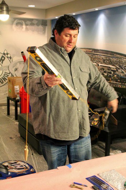 """(7. Staffel) - Ex-NFL-Profi Tony Siragusa eilt zu Hilfe, wenn Männer sich ihren Traum vom eigenen """"Man Cave"""" verwirklichen wollen ... - Bildquelle: Nathan Frye 2011, DIY Network/Scripps Networks, LLC. All Rights Reserved."""