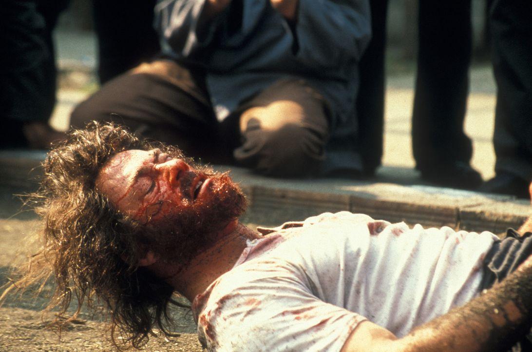 Zunächst fügt Kyle (Jean-Claude Van Damme) sich in sein Schicksal, dann allerdings schlägt er gnadenlos zurück ... - Bildquelle: NU IMAGE