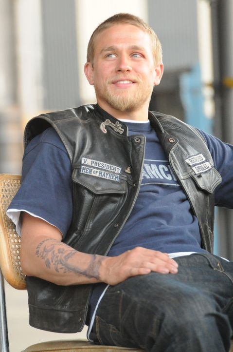 Jax (Charlie Hunnam) muss den Fehler eines Mitgliedes ausbaden ... - Bildquelle: 2011 Twentieth Century Fox Film Corporation and Bluebush Productions, LLC. All rights reserved.