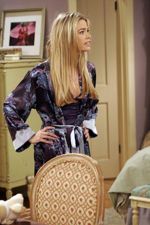 Haben Lisa (Denise Richards) und Charlie eine Chance? - Bildquelle: Warner Brothers Entertainment Inc.