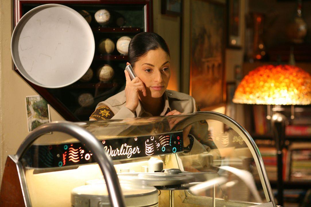 Sorgt für Sicherheit in Eureka: Lupo (Erica Cerra) ... - Bildquelle: Universal Television