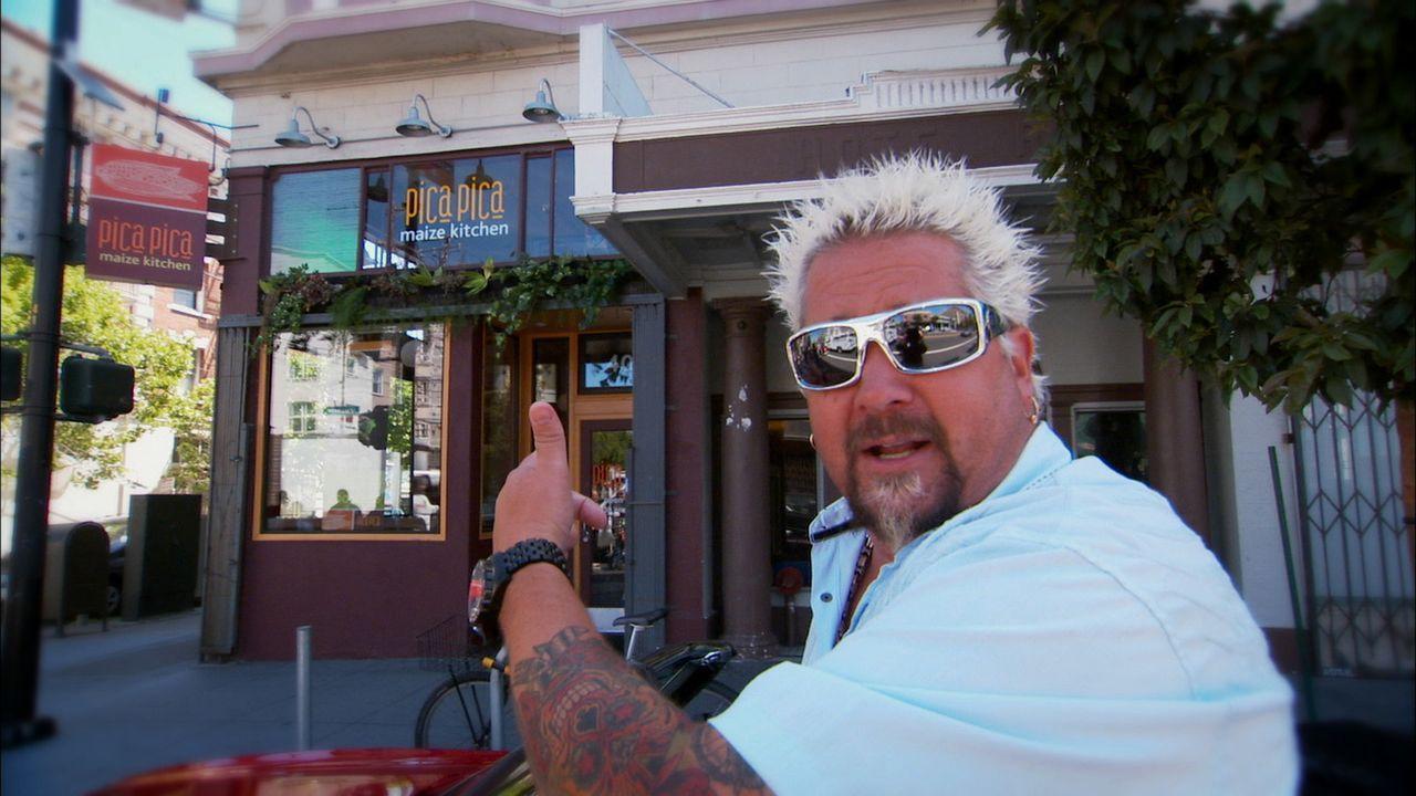 (17. Staffel) - Ständig auf der Suche nach Diners und Drive-Ins, die für ihr grandioses und vor allem auch besonderes Essen bekannt sind: Moderator... - Bildquelle: 2013, Television Food Network, G.P. All Rights Reserved.