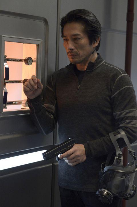 Noch immer glaubt Hatake (Hiroyuki Sanada) an das Gute in dem Virus ... - Bildquelle: 2014 Sony Pictures Television Inc. All Rights Reserved.