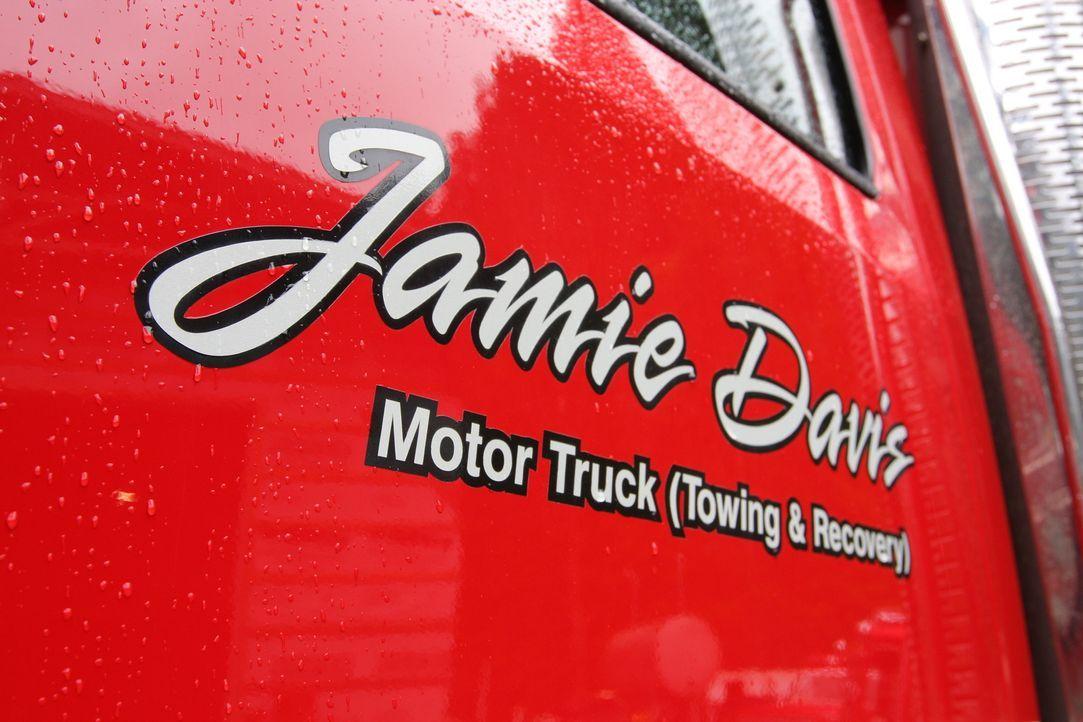 Jamie Davis und sein Team erleben auf der wichtigen Ost-West-Verbindung durch die Berge von British Columbia allerhand ... - Bildquelle: Beyond Distribution