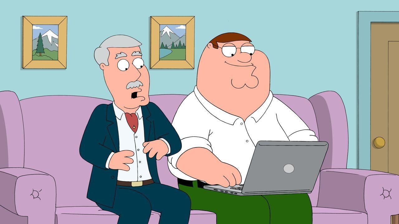 Peter (r.) weiht Carter (l.) in die Welt des Internets ein. Doch dann fallen sie auf einen Betrüger rein ... - Bildquelle: 2015-2016 Fox and its related entities. All rights reserved.