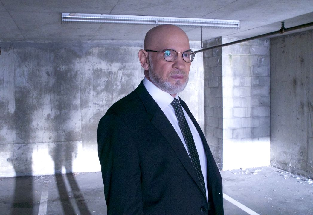 Wird Skinner (Mitch Pileggi) die beiden Agenten Scully und Mulder bei einem neuen Fall unterstützen oder ist das gegenseitige Misstrauen zu groß? - Bildquelle: Shane Harvey 2017 Fox and its related entities. All rights reserved. / Shane Harvey