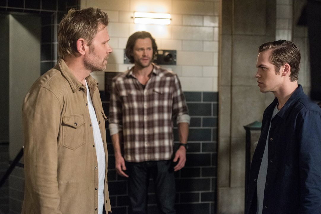 (v.l.n.r.) Lucifer (Mark Pellegrino); Sam (Jared Padalecki); Jack (Alexander Calvert) - Bildquelle: Dean Buscher 2018 The CW Network, LLC. All Rights Reserved / Dean Buscher