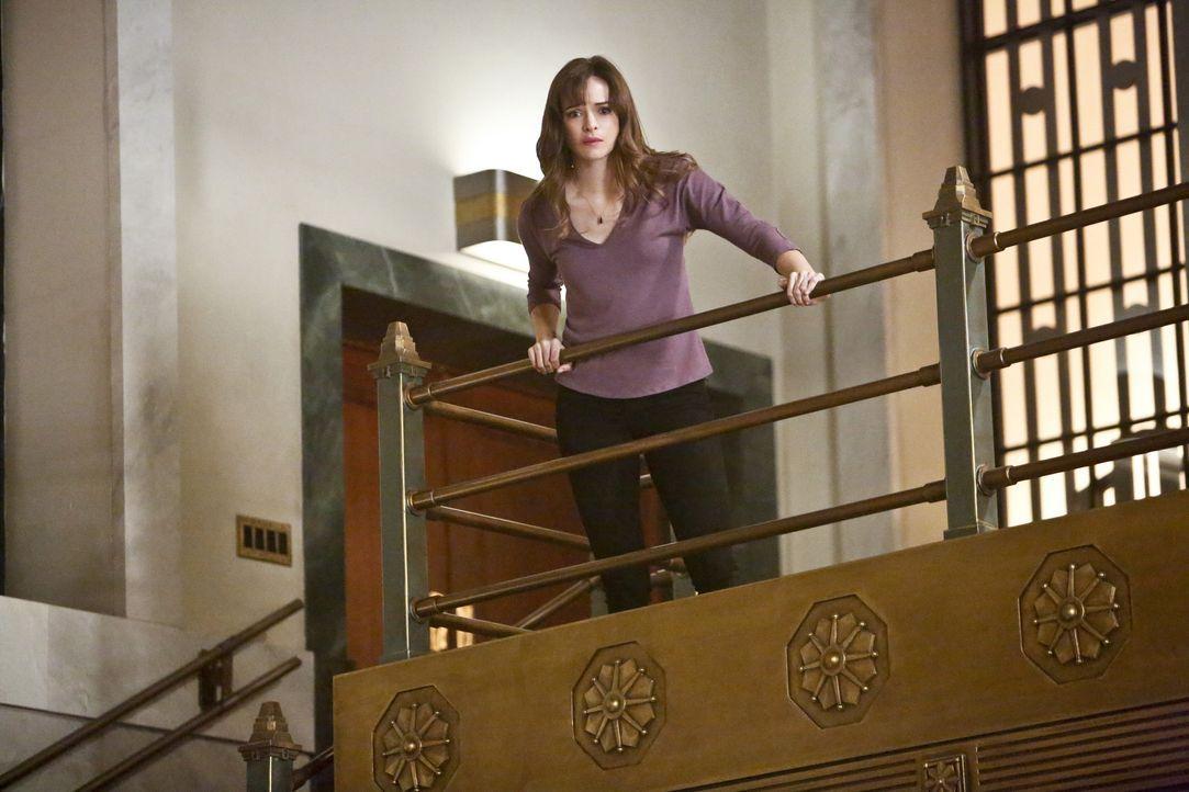 Während Caitlin (Danielle Panabaker) versucht, an Hunters gute Seite zu appellieren, versucht er ihre dunkle Seite zu erwecken. Wer wird zuerst Erfo... - Bildquelle: Warner Bros. Entertainment, Inc.