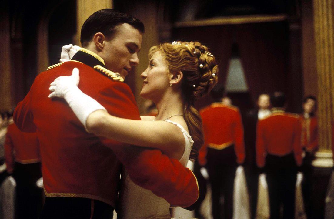 1884. Der junge Offizier Harry Faversham (Heath Ledger, l.) gilt als einer der besten Männer seines Regiments und steht kurz vor der Hochzeit mit de... - Bildquelle: Jaap Buitendijk Concorde Filmverleih. All rights reserved.