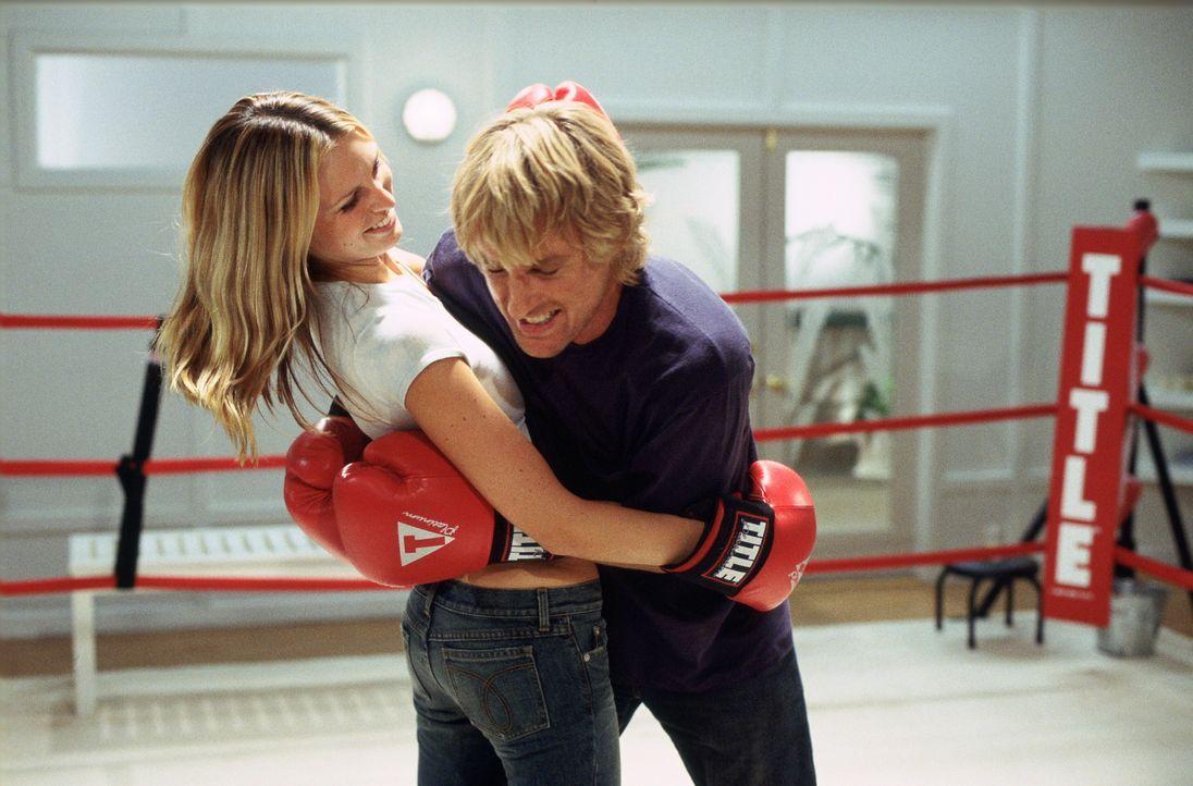 Haben ziemlich viel Spaß: Jack (Owen Wilson, r.) und Nancy (Sara Foster, l.) ... - Bildquelle: Warner Bros.