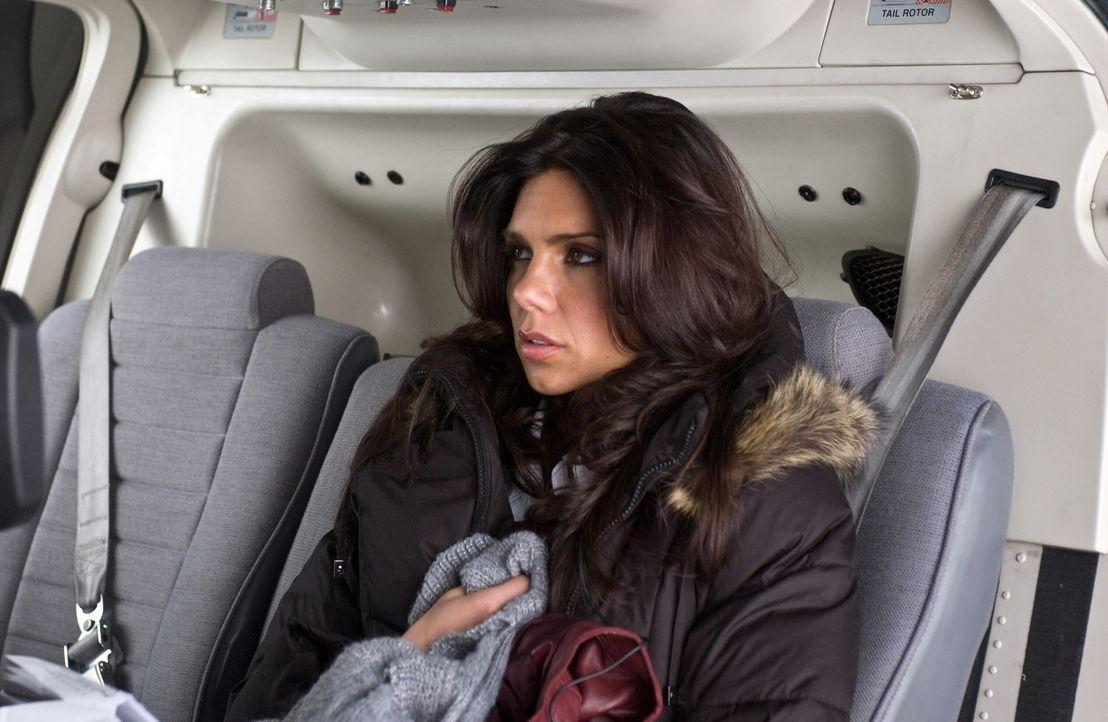 Noch ahnt Maya (Tessie Santiago) nicht, dass der Killer durchaus fühlt, wenn sie sich in seinem Gehirn aufhält. Er schmiedet einen Plan, wie er sie... - Bildquelle: Warner Bros. Television