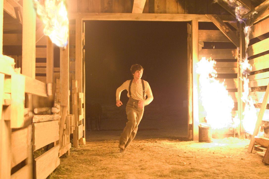 Seit geraumer Zeit läuft es für die Familie Evans nicht besonders gut. Für Sohnemann William (Logan Lerman) scheint der Vater an dem Desaster schuld... - Bildquelle: 2007 Yuma, Inc. All Rights Reserved.
