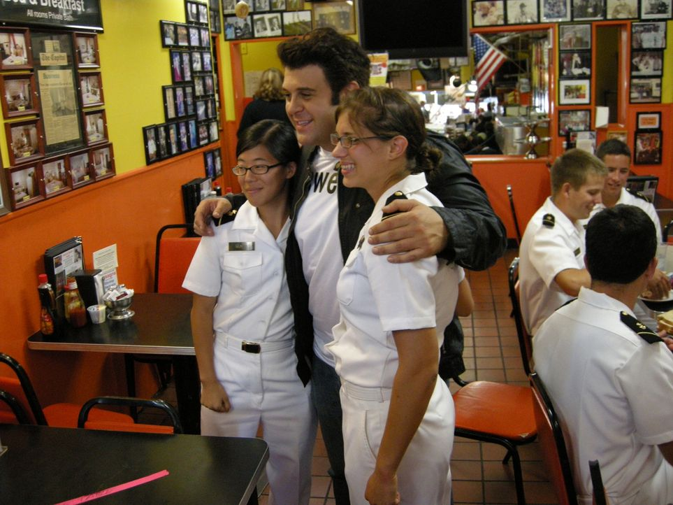 Adam Richman (M.) - Bildquelle: 2009, The Travel Channel, L.L.C.
