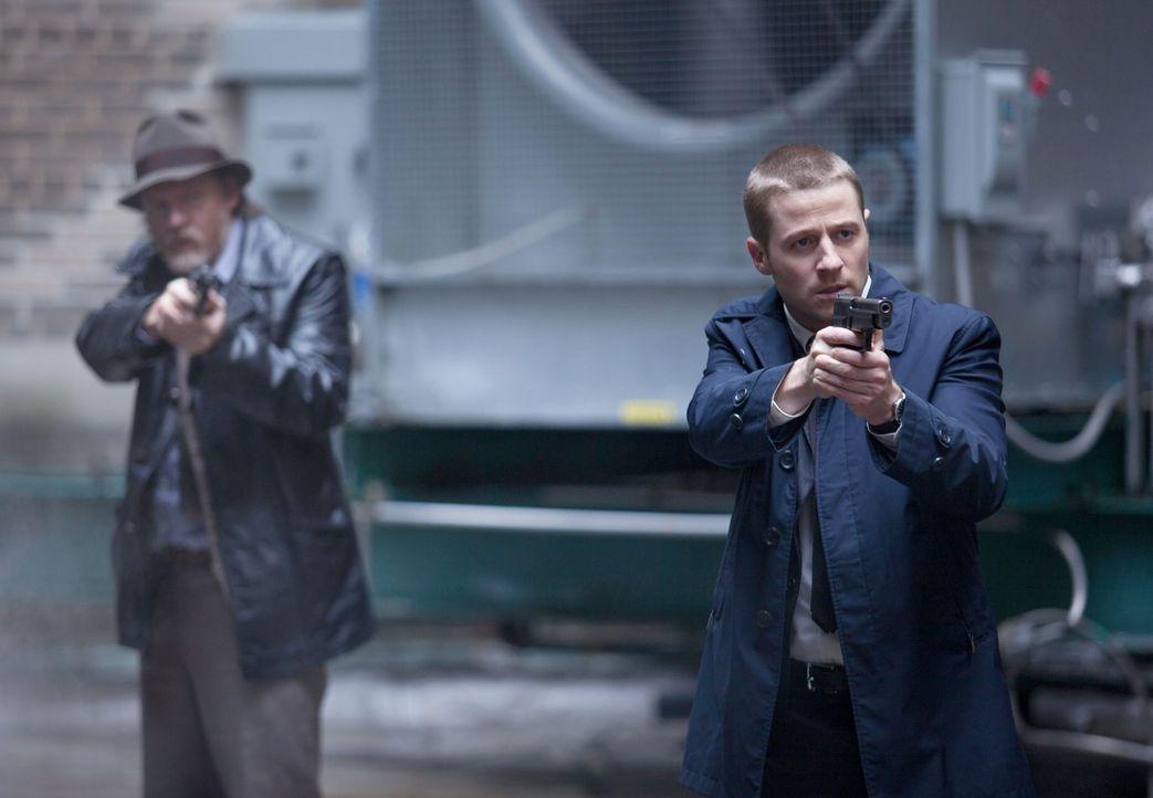 In Gotham kursiert eine neue, sehr gefährliche Droge, die denjenigen, die sie einnehmen Superkräfte verleiht, diese aber auch schnell tötet. Gordon... - Bildquelle: Warner Bros. Entertainment, Inc.