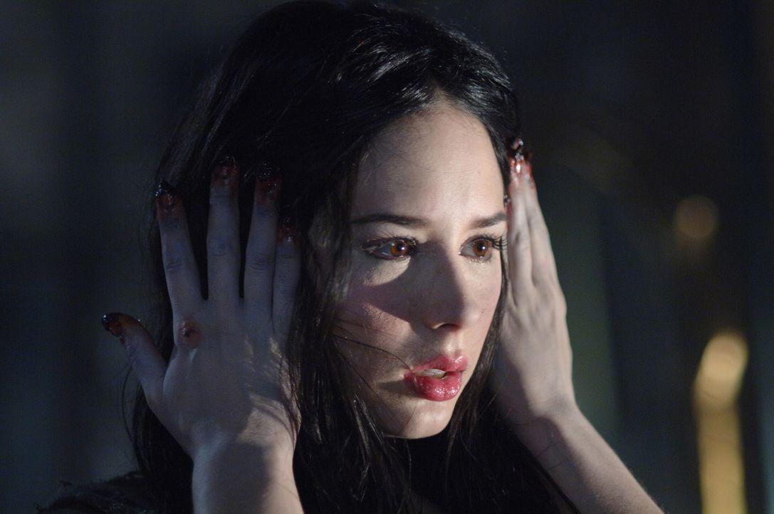 Bei der Aufklärung eines mysteriösen Todes, stoßen Sam und Dean auf Bloody Mary (Jovanna Huguet) ... - Bildquelle: Warner Bros. Television