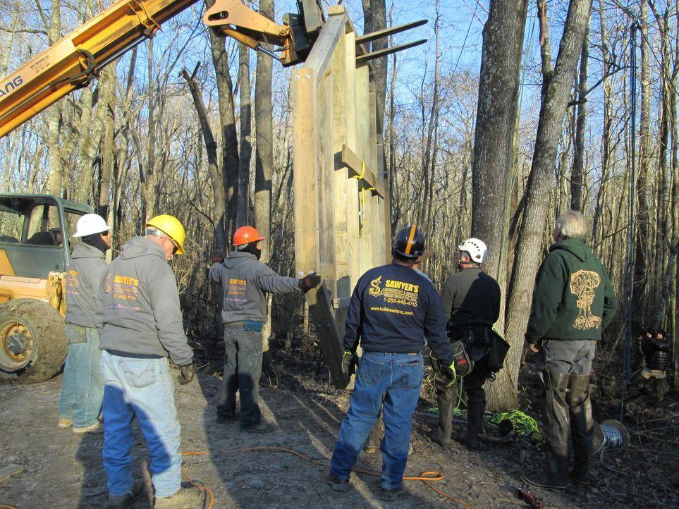 Eine neue Herausforderung erwartet die Baumhaus-Designer: Dieses Mal arbeiten sie gemeinsam mit der Windsor-Community an einem ganz besonderen Natur... - Bildquelle: 2016,DIY Network/Scripps Networks, LLC. All Rights Reserved
