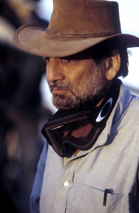 Regisseur Shekhar Kapur bei den Dreharbeiten - Bildquelle: Jaap Buitendijk Concorde Filmverleih. All rights reserved.