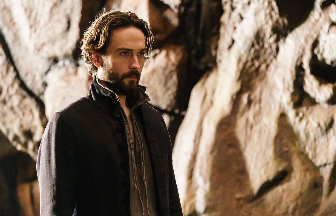 Lange glaubte Crane (Tom Mison), das Pandora die größte Bedrohung für die Menschheit ist, aber ihr göttlicher Geliebter stellt sogar sie in den Scha... - Bildquelle: 2015-2016 Fox and its related entities.  All rights reserved.