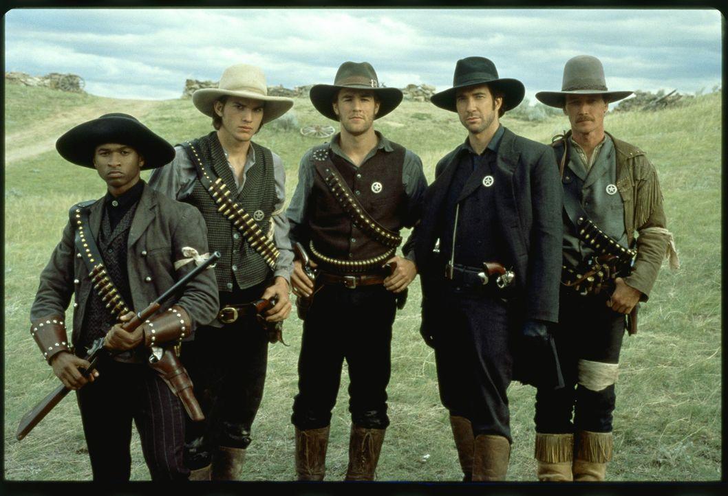 In der Nachbürgerkriegszeit schickt die Regierung in Texas junge Männer los, um das in Anarchie verfallene Land von Banditen zu säubern: die Texa... - Bildquelle: Kinowelt GmbH
