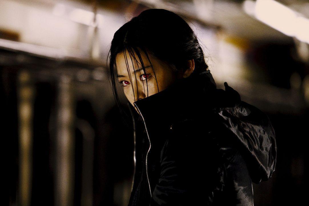 Saya (Gianna Jun) ist seit fast 400 Jahren auf der Jagd: Die Halbvampirin spürt für eine Geheimorganisation Untote auf und macht ihnen den Garaus -...