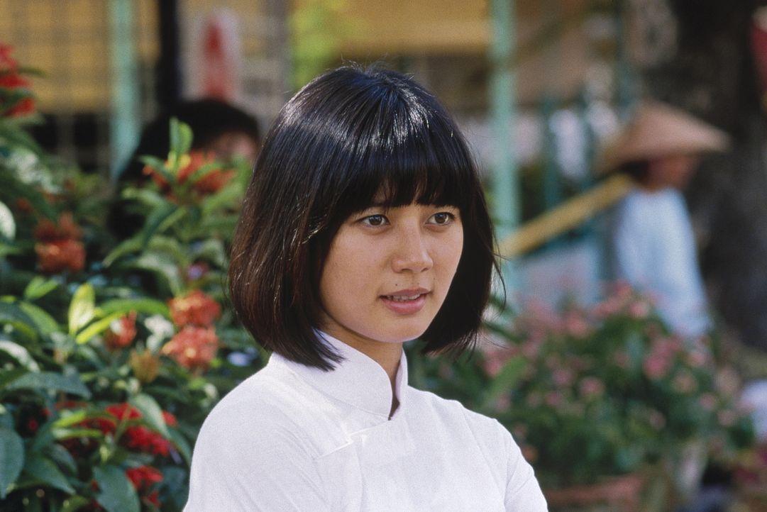 Die Vietnamesin Trinh (Chintara Sukapatana) wird dem Radiomoderator Adrian Cronauer zum Verhängnis ... - Bildquelle: Touchstone Pictures