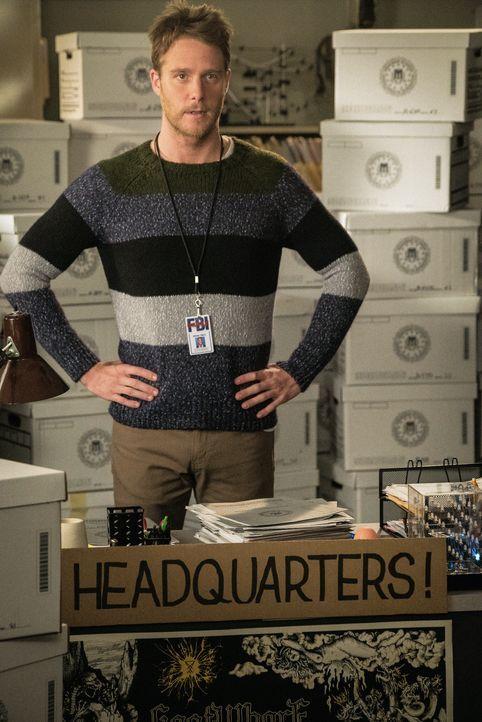 """Für sein eigenes """"Hauptquartier"""" beim FBI macht Brian (Jake McDorman) Naz ein ganz besonderes Angebot ... - Bildquelle: John Paul Filo 2015 CBS Broadcasting, Inc. All Rights Reserved"""