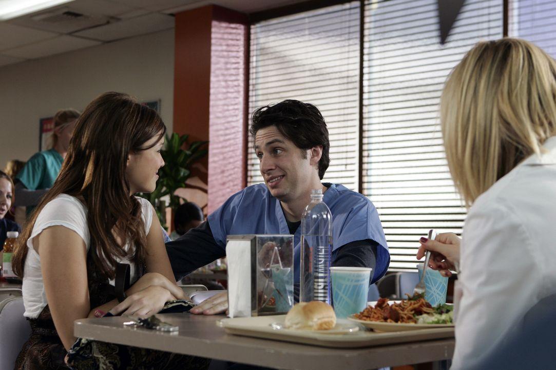 Obwohl Elliott (Sarah Chalke, r.) ihn gewarnt hat, ist J.D. (Zach Braff, M.) Feuer und Flamme von Julie (Mandy Moore, l.) ... - Bildquelle: Touchstone Television
