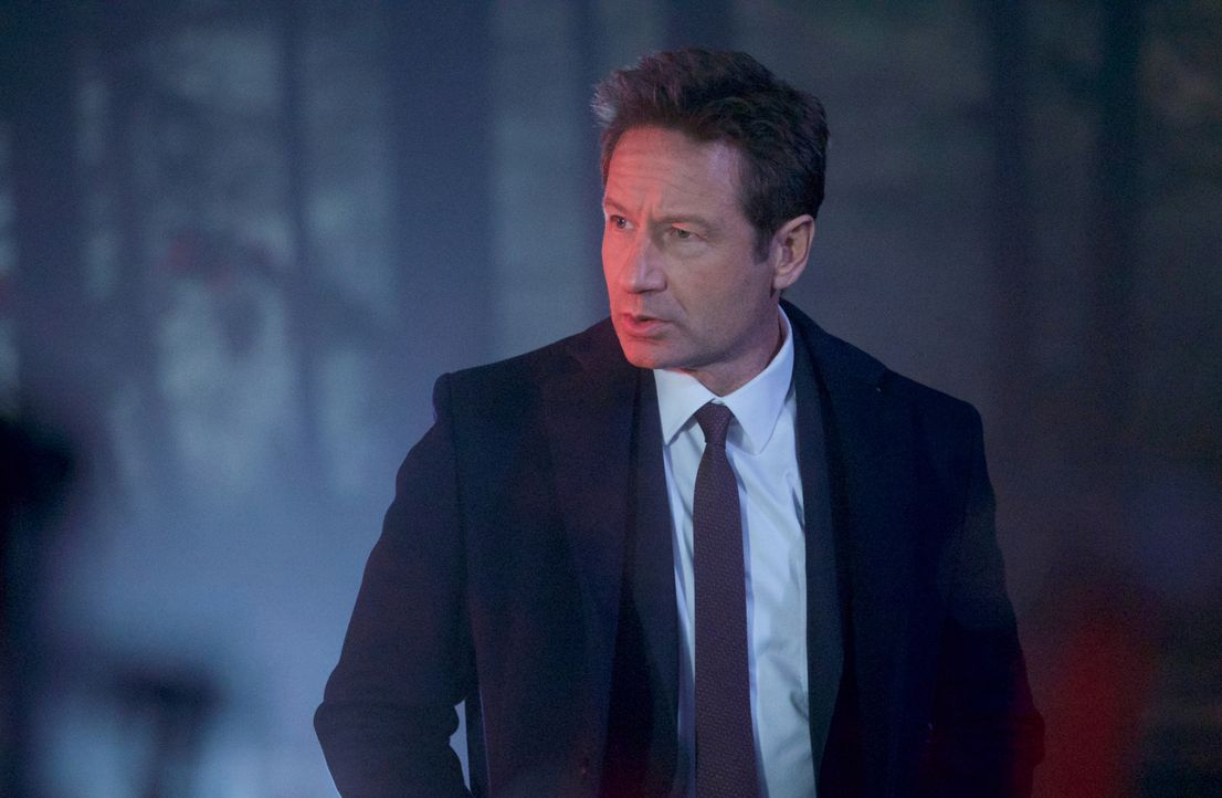 Ist sich sicher, dass ein kleiner Junge in Connecticut Opfer von Hexen wurde: Mulder (David Duchovny) ... - Bildquelle: Shane Harvey 2018 Fox and its related entities. All rights reserved. / Shane Harvey