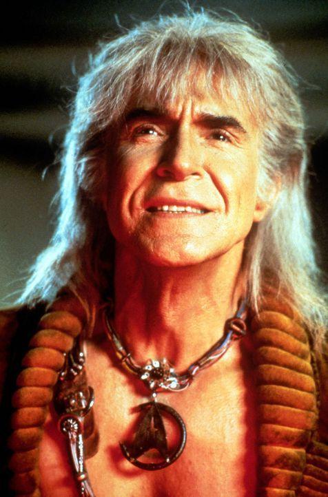 Der Khan (Ricardo Montalbán) ist zurückgekehrt, um sich an seinem Erzfeind Kirk zu rächen. - Bildquelle: Paramount Pictures